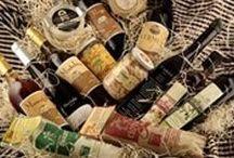 """La Botiga del Celler - """"Celler d'Ullastrell"""" / www.cellerullastrell.cat - Productes d'alimentació artesans, vins i caves de diverses D. O., eines pel camp i jardineria, pinso per animals de companyia i de granja, i tot el que no tenim mirem de buscar-ho, per satisfer les teves necessitats."""