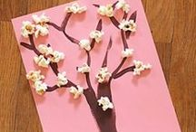 Crafts to do with my class / A collection of fun crafts to do with my preschool class!  / by Keshia Duchi