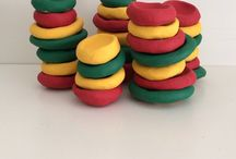 """3 LITTLE BOWLS 