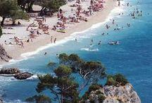 """We go to Croatia! / Хочу поделиться с вами,как прекрасно быть в Хорватии,сидеть на пляже,слышать марэ,пить гимишт,это чудо напиток,который прекрасен,в любое время суток,утром,в обед и вечером! Рецепт прост,белое вино+минеральная вода и пусть весь мир подождет...вернее все...Что же такое Хорватия, это ,пить вино-смотреть на море, пляжи, на которых пинивые рощи,из которых просто сочится """"зеленый"""" воздух,адриатическое море,всё самое лучшее ждет вас в Хорватии."""