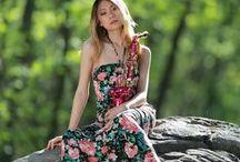 Sapphire Ng   Green & Saxo /   https://www.facebook.com/SapphireNgGuitarist       http://www.sapphire-love.blogspot.sg/    http://www.modelmayhem.com/SapphireNg      https://plus.google.com/+SapphireNgGuitarist/posts       http://www.youtube.com/user/SapphireNgGuitarist/videos