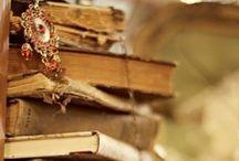 // b i b l i o p h i l e \\ / books...