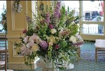 Statement Pieces / Large floral arrangements that make a statement