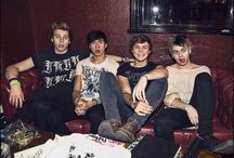 5 Seconds of Summer / Where we can share our love for four idiots