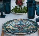 Tablescapes Summer / Be inspired with beautiful china, glassware and linens for summer dining, whether your occasion is casual, formal, everyday or elegant. Explore our table settings and home decor. #tablesetting #tablescape #casual #elegant #summer tablescapes