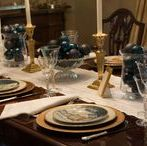 Tablescapes Winter & Christmas / Be inspired with beautiful china, glassware and linens for Winter dining, whether your occasion is casual, formal, everyday or elegant. Explore our table settings and home decor; we have lots of Christmas ideas, too! #tablesetting #tablescape #casual #elegant #winter tablescapes #Christmas #New Year