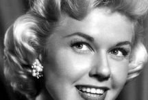 Doris Day / The Beautiful Bombshell Doris Day