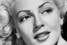 Lana Turner / The Beautiful Bombshell Lana Turner