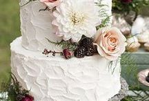 Wedding cakes with flowers / Wedding cakes with flowers