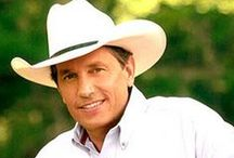 Music - King George Strait! / by Janet Kovacic