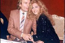 Dalida et Richard Shanfray, partenaire de longue date / Richard Shanfray sous le pseudonyme Le comte de St Germain - ils vivaient ensemble dans une relation chaotique 1972 - 1981. Il est mort en 20.7.1983 suicide - empoisonné avec un nouvel amant dans les gaz d'échappement de voiture.