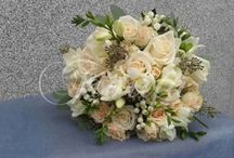 Bride's bouquet with bouvardia / Bride's bouquet from roses, fresias and bouvardia, flower baskets for little bridesmaids, bouquets for the mothers of newlyweds, buttonhole flowers and car flower arrangement
