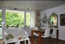 Einfach schöne Aussichten... / 3-Zimmer-Wohnung (ca. 79 m²) im 3. Obergeschoss eines Mehrfamilienhauses in schöner, grüner und vor allem ruhiger Lage von Karlsruhe-Oberreut. Mit ihrem durchdachten Grundriss bietet sie viel Platz und Möglichkeiten für gemütliche Stunden Zuhause.
