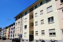Eine Wohnung, viele Möglichkeiten / 4,5-Zimmer-Wohnung mit drei Balkonen und Sauna im 3. OG einer kleinen Wohneinheit in der Karlsruher Oststadt. Die Immobilie verfügt zudem über eine zusätzliche Ausbaureserve im Speicher.