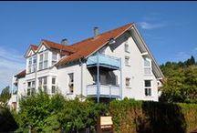 Zwei im Paket / Zwei vermietete Wohnungen (Miete jhrl. gesamt EUR 7.440,--) in einem Mehrfamilienhaus in Karlsruhe-Grötzingen.