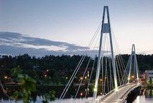 Jyväskylä / Jyväskylä ist Finnlands 7. größte Stadt mit 135.000 Einwohnern und liegt im westlichen Teil der finnischen Seenplatte. Die Stadt ist bekannt für moderne Architektur, kulturelle Sehenswürdigkeiten und beste Sport- und Freizeitmöglichkeiten rund ums Wasser.   http://www.finnland-rundreisen.com/reise/jyvaskyla/