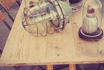 Industriële Vintage / Koetshuis Weesp levert industriële Brocante oa lampen, tafels en bijzondere interieur items