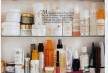 "ITGTopShelfie / in my dream bathroom... think fluffy towels, mirrored trays, all natural products, and an endless supply of candles & perfumes. think pink and white and black and grey and pops of color for an extra kick. think ""i-never-want-to-get-ready-for-work"" because all you could ever need is in the bathrooms. this is glam meets structure meets eco friendly. because in this bathroom, we eat macaroons and drink green tea while reading the sf chronicle. in our pajamas sets. #ITGTopShelfie / by Molly Swain"