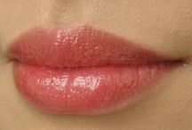 GLEAMING TEMPTATIONS Lip Gloss Swatches