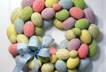 Easter Crafts, Decorating Ideas & Food / Quick and Easy Easter Craft Projects & Decorating Ideas along with great foodie recipes for Easter dinner.