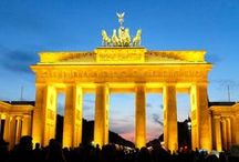 Wir lieben | Festival of Lights / Jedes Jahr im Oktober verwandelt sich Berlin in ein Lichtermeer mit Illuminationen und Lichtinstallationen an bekannten Berliner Plätzen.