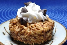 Vegan Breakfasts / Vegan + plant based breakfast foods such as pancakes, scrambles, omelettes, muffins, oatmeal, and more.