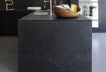 Kitchens / Modern kitchen designs around the world. Emphasis is given to minimalist projects.