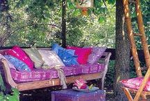 Dream Garden Spaces / I absolutely love the idea of having a beautiful garden in which to host gatherings.
