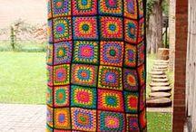 Yarn Bombing ♡ ♡ / Grafitis textiles que no dañan la naturaleza. #yarnbombing #Adrogue #casuarina #crochet #arte #graffitiecologico #tricoturbain
