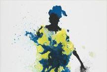 Visions - Fondo de arte de Ulls del món / Se trata de una colección de arte solidario compuesta por 72 obras  que 53 artistas de diferentes disciplinas han dado a la Fundación para divulgar la tarea de cooperación al desarrollo oftalmológico que lleva a cabo Ulls del món-Ojos del mundo desde el año 2001, además de recaudar fondos para los proyectos que la Fundación tiene en marcha en los campamentos de refugiados saharauis de Tindouf (Argelia), Mozambique, Bolivia y Malí.