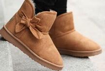 Shoesss / by Jaylynne Flannagan