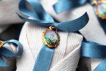 Bem Casados / Lindos e coloridos, com seus fitilhos de seda, embrulhados em papéis especiais para qualquer momento e para todas as ocasiões... Bem Casados!!!
