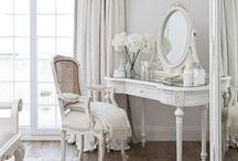 Decor - Vanity Table