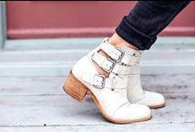 Shoes / by Moni Montero