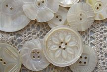 Pearly queen / Pearl buttons