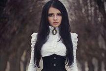 Hadria'ʂ cottage ἰʂ black