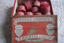 βɾσc. | Rouge Crαɱσίʂί / ♔ Brocante/Antiques in red hues ♔