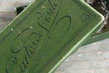 βɾσcαηʈε | Vert Cɾίαɾ∂ / ♔ Brocante/Antiques in green hues ♔