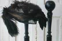 βɾσcαηʈε | Noir Cσɾbεαu / ♔ Brocante/Antiques in black hues ♔