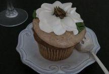 Holiday Wedding Desserts - See Jane Sample / #JaneSummersbride wedding inspiration holiday wedding dessert ideas
