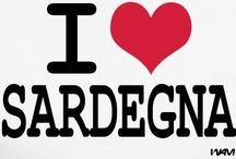 Una Sardegna tutta da scoprire / «La vita in Sardegna è forse la migliore che un uomo possa augurarsi: ventiquattro mila chilometri di foreste, di campagne, di coste immerse in un mare miracoloso dovrebbero coincidere con quello che io consiglierei al buon Dio di regalarci come Paradiso.» (Fabrizio de Andrè)