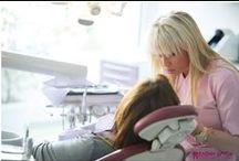 Dr. Eleni Dritsa & Dental Clinic / Η «Αισθητική & Επανορθωτική Οδοντιατρική Κλινική» λειτουργεί στην Κόρινθο από το 2004 και παρέχει υπηρεσίες εξειδικευμένης αισθητικής αλλά και γενικής οδοντιατρικής (Ελένη Δρίτσα), παιδοδοντιατρικής (Βίκυ Κουτσή) και ορθοδοντικής (Ένη Μπαζακίδου).  Διεύθυνση: Αποστόλου Παύλου 11   Τηλ.: 27410-26199