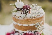 Wedding Cakes / Feed your sweet tooth! And those of your guests! Discover cake styles, decoration, and flavours.