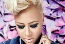 ADELE EMELI GOURAGINE aka EMELI SANDE 2/10/1987 / British singer Emeli Sande has catapulted from relatively obscurity into the history books with a sophisticated sound-- and personal style-- that's all her own.