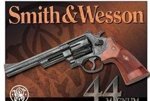 Smith & Wesson Handguns / http://www.gunholstersunlimited.com/blog/5-great-handguns-from-smith-and-wesson/