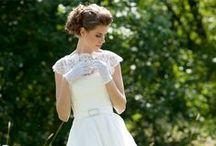 The Bride & her entourage! / Wedding and bridesmaid dresses