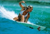 She Surfs / Surf / by Rian Zatti