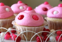 Cupcakes , Muffins, Cakes / Desserts / by Louise Larin