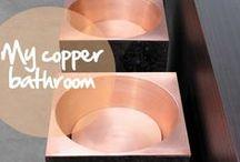 My copper bathroom / Qui n'a jamais rêvé d'une baignoire en cuivre ? Pour l'accompagner, bien d'autres éléments de la salle de bain se parent des couleurs du métal rouge / Copper bathroom objects are numerous and all very attractive... / by Copper Mania