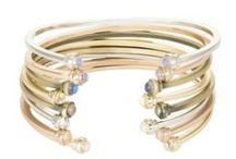 Jewelry - Have to have / Jewelry that is on trend to classic and everything in between.